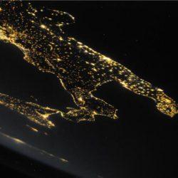 """Architetture siderali"", Puglia di notte"