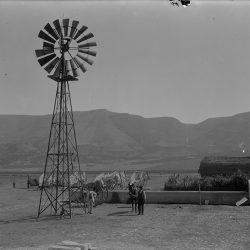 AQP. L'acquedotto inedito / Trivellazione presso la masseria Mezzana Grande, Lucera