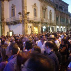 Milly Semeraro, Giuseppe Giacovazzo, il Sindaco di Martina Franca e il Rettore dell'Università di Bari inaugurano il Festival